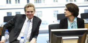Poul Thomsen, Europa-Präsident des IWF und Verhandlungsführerin des IWFs für Griechenland Delia Velculescu. Die griechische Regierung wäre froh, wenn der IWF aus der Quadriga austeigen würde